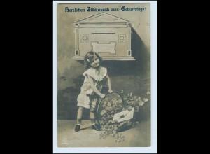 T1009/ Biefkasten Geburtstag Foto AK Mädchen mit Brief 1908