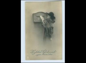 T1012/ Briefkasten Frau mit Pelzstola und Brief Foto AK Neujahr ca.1910