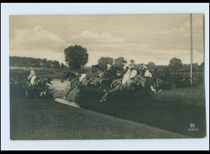 W8R25/ Reitsport Hindernisrennen Foto AK 1907
