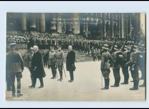 G709/ von Hindenburg beim Abschreiten der Ehrenkompagnie Foto AK