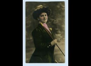 Y3953/ Frau mit Hut und Stock schöne Foto AK ca.1912