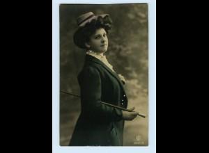 Y3952/ Frau mit Hut und Stock schöne Foto AK ca.1912