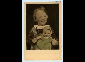 T1200/ Mädchen mit Puppe schöne AK ca.1938