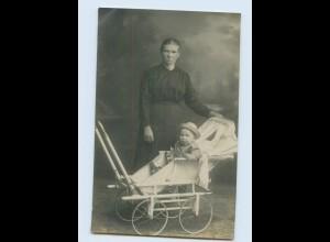 I1243/ Mutter mit Kinderwagen Privat Foto AK ca.1920