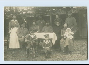 I1573/ Soldaten mit Familie Kind mit Dreirad Privat Foto AK 1915