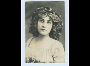 X1J74/ Junge hübsche Frau mit Kopftuch Foto AK 1909