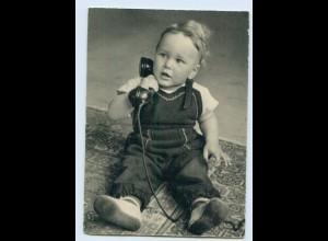 X1R79/ Kleiner Junge telefoniert Telefon AK ca.1960
