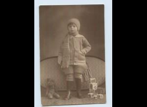 M306/ Junge mit Teddy Spielzeug Foto AK 1924