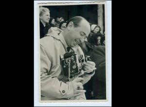 Y378/ Mann mit Kamera Foto AK ca.1955