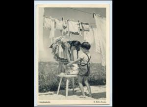 Y1236/ Urlaubswäsche Kinder hängen Wäsche auf AK ca.1950