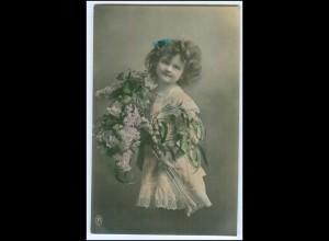 Y1701/ Kinder Mädchen mit Blumen 1913 Foto AK