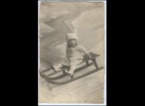 Y2546/ Kleines Kind Mädchen mit Schlitten, Rodeln Foto AK ca.1925