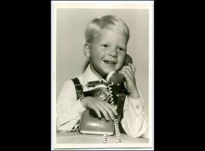 Y3016/ Kleiner junge mit Telefon Foto AK ca.1960