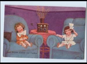 N9582/ Kinder hören Radio schöne AK 1925