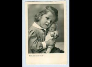 T070/ Mädchen mit Puppe schöne Foto AK