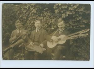 T787/ Männer musizieren mit Zither + Doppelkopf-Gitarre Foto AK ca.1920