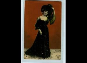 Y4321/ Hübsche junge Frau, schöne Kleidung NPG Foto AK 1906