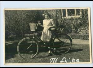 T2683/ Mädchen mit Fahrrad Foto AK 1940