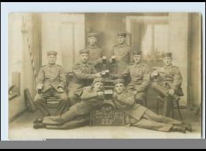 Y5090/ Soldaten trinken Bier Foto AK 1914 1. Weltkrieg