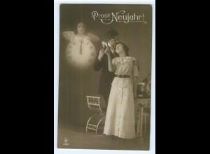 Y5177/ Neujahr Foto AK Fotomontage Uhr Engel Liebespaar Sekt 1913