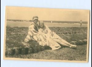 Y6398/ Badeleben zwei Frauen am Strand Privat Foto AK ca.1930