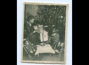Y7080/ Weihnachten Privat Foto Kinder mit Puppen Heiligabend ca.1950