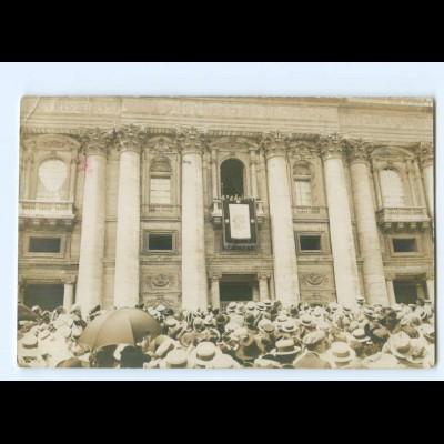 T9644/ Rom Vatikan Bekanntgabe der Wahl des neuen Papstes Foto AK 1914