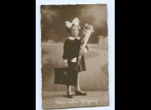 U1076/ Mädchen mit Schultüte Einschulung Foto AK ca.1920