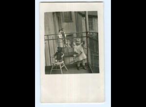 U1072/ Kind mit Puppe und Teddy Privat Foto AK ca.1930