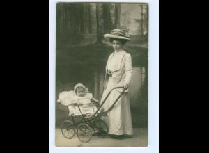 Y7985/ Mädchen mit Puppe Privat Foto AK ca.1925