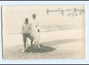 Y7794/ Badeleben Paar am Strand Privat Foto AK 1924