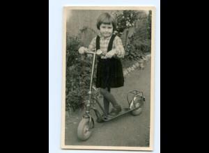 Y7774/ Mädchen mit Roller Foto AK ca.1955-60