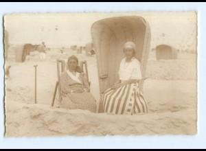 Y8043/ Badeleben Frauen am Strand Strandkorb Foto AK ca.1920