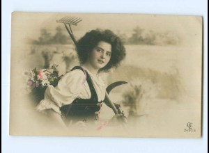 Y8837/ Junge Frau Harke und Sichel, Ernte Foto AK ca.1910
