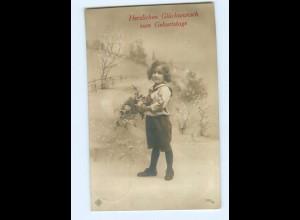 Y9005/ Geburtstag Mädchen mit Blumen schöne Foto AK 1912
