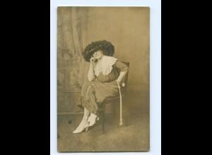 Y9087/ Frau mit Hut Hutmode schöne Foto AK ca.1920