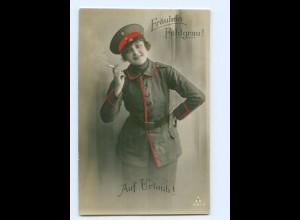 U2793/ Fräulein Feldgrau mit Zigarette Frau in Uniform 1. Weltkrieg Foto AK