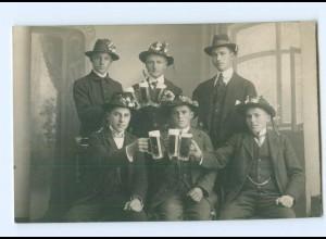 Y9649/ Junge Männer trinken Bier Foto AK 1917