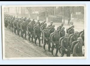 Y9614/ Soldaten marschieren Foto AK 1938 Königsbrück