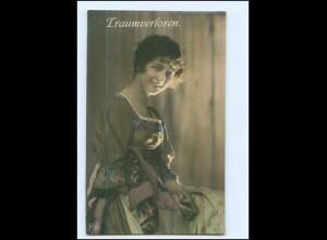 Y10055/ Traumverloren - junge Frau lächelt Foto AK 1919