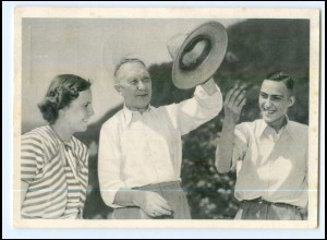 Y10050/ Adenauer mit seinen Kindern AK 1953