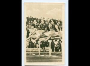 XX004365/ Tschudina UdSSR Siegerin im 80 m Hürden-Lauf Foto AK ca.1955