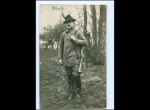 U4347/ Jäger mit Gewehr Jagd Foto AK ca.1930