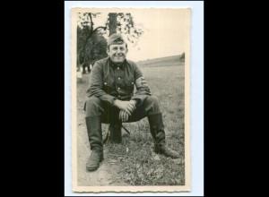 Y10754/ Soldat mit Zigarette Foto AK ca.1940