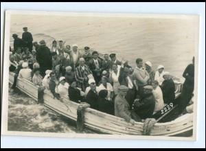 XX003298/ Helgoland Ausschiffung Börteboot Foto AK ca.1930