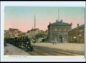 XX003822/ Neunkirchen Bez. Trier Bahnhof mit Eisenbahn AK 1911 goldene Fenster