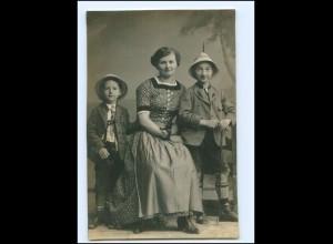 Y11366/ Mutter mit Kindern Söhne Jungen Trachten Foto AK ca.1912