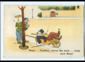 Y11497/ Betrunkener Mann in der Schubkarre , Straßenfeger, Humor AK 1930