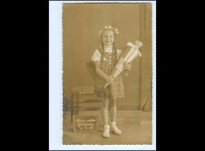 Y11753/ Einschulung Schule Mädchen mit Schultüte Foto AK 1942