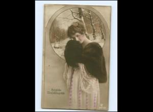 Y13464/ Neujahr Frau mit Pelzstola Foto AK 1920